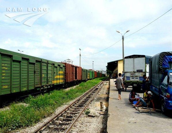 Những lưu ý khi vận chuyển xe máy bằng đường sắt từ Hà Nội vào Sài Gòn và ngược lại