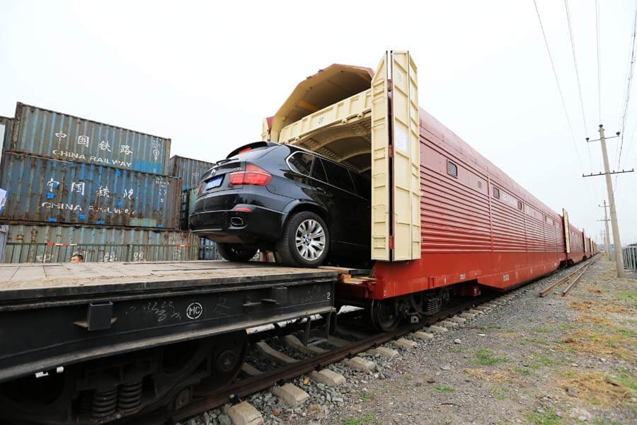 Kinh nghiệm vận chuyển ô tô bằng tàu hỏa